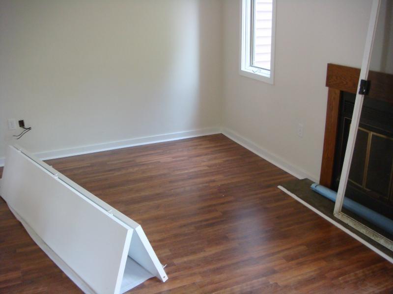 Laminate Floor Installers install wood or stone laminate flooring in dallas Laminate Floor Installation 066 2